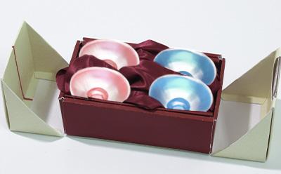 高級感ある焼き物、陶器のパッケージ
